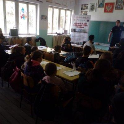 """Učenicima OŠ """"Dušan Ivović"""" na Kosanici održana predavanja kroz projekat """"Edukacija mladih o prevenciji i zaštiti od požara"""""""