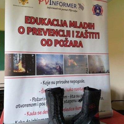 Učenicima edukacija, vatrogascima specijalne zaštitne čizme