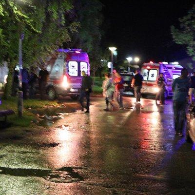 Građani Pljevalja pred pljevaljskom bolnicom u velikom broju iskazali spremnost da doniraju krv za povrijeđene