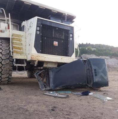 U saobraćajnom udesu rudničkog dampera i lade Nive pored značajne materijalne štete nije bilo povrijeđenih