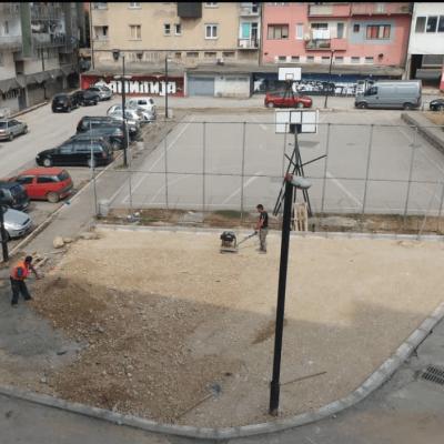 Građani protestvuju zbog uništavanja zelene površine predviđene za djecu i pretvaranja u parking