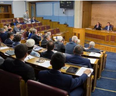 Poslanici vlasti za 23 sjednice dobili preko 756.000 eura