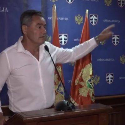 Obraćanje predsjednika OO NSD-a Milana Lekića na vanrednoj sjednici SO