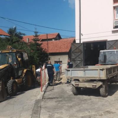 Dio grada oko Vatrogasnog doma i dalje bez vode – Neizvjesno kad će biti završeni radovi