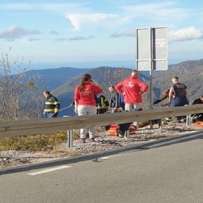 Dvoje poginulo, troje povrijeđeno u nesreći na Brajićima