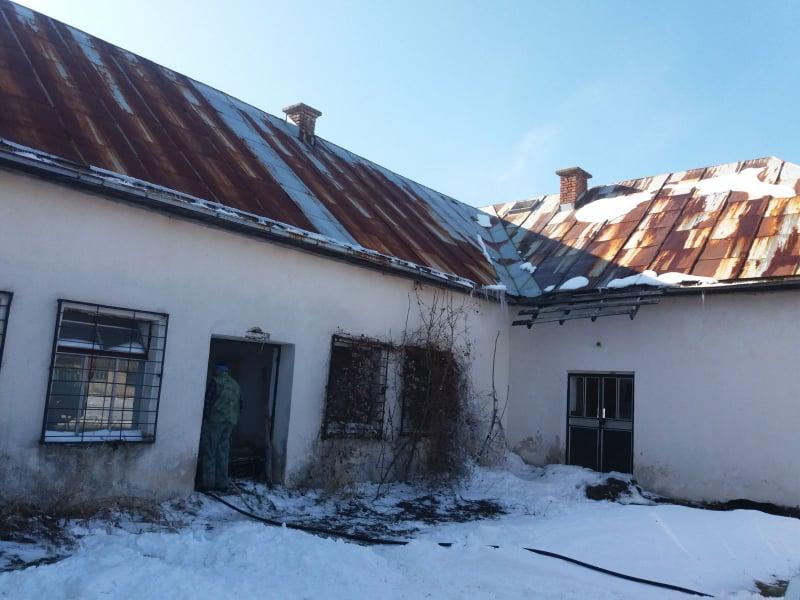 Požar na objektu u Boljanićima – sumnja na migrante