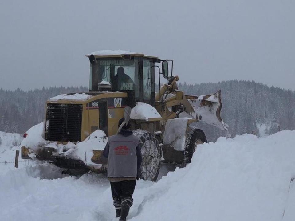 Čistači snijega krenuli put Bobova