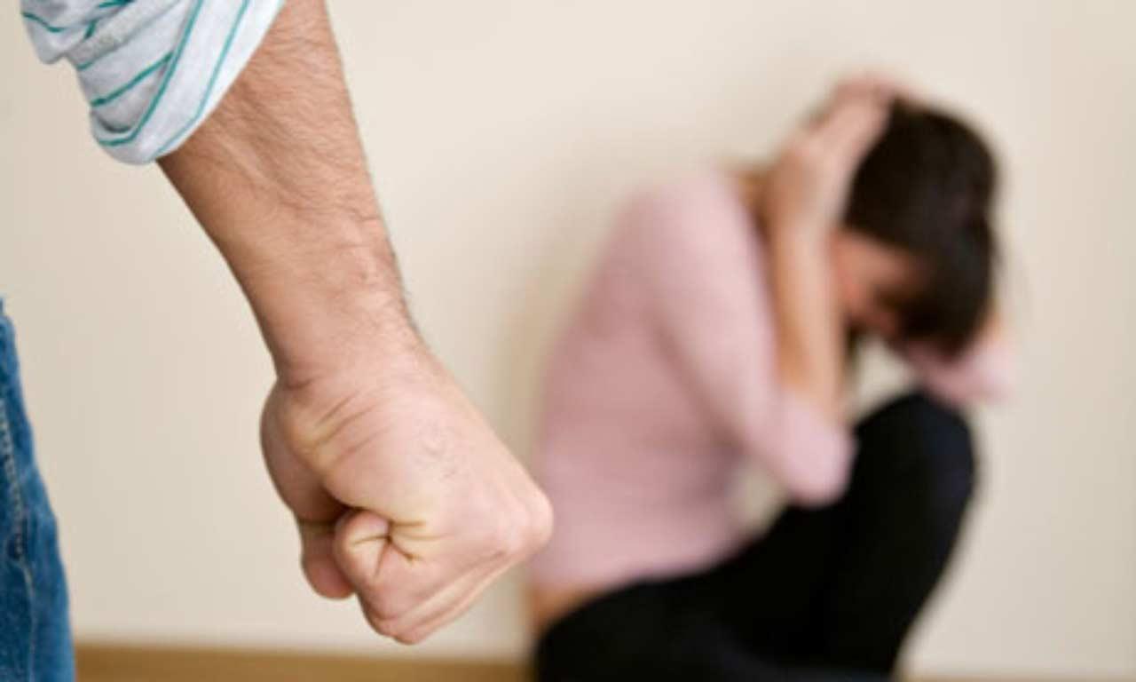 Mojkovčanin osumnjičen da je udario ženu i gušio je jorganom