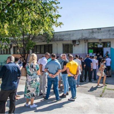 Izlaznost do 13 sati: CEMI – Glasalo 54,1 odsto birača