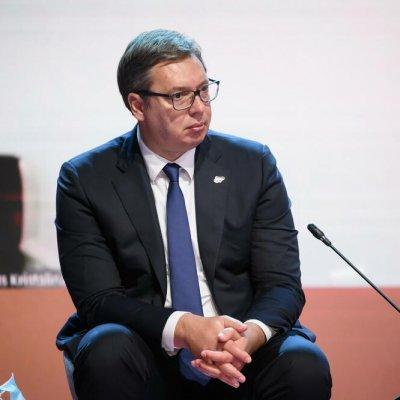 Mediji u Srbiji: Vučiću stavljen na sto papir sa priznanjem Kosova