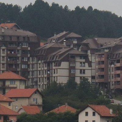 Opština Pljevlja finansira sanaciju krovova na više stambenih zgrada– radovi počinju uskoro