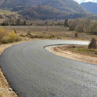 U toku radovi na asfaltiranju seoskih puteva