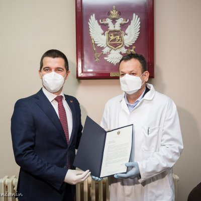 Bečić uručio donaciju od 5000 eura pljevaljskoj bolnici