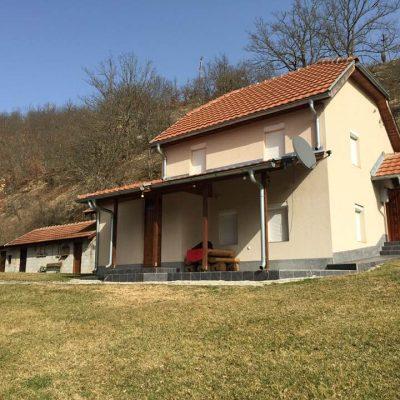 Prodaje se kuća u naselju Gornji Gradac (FOTO)