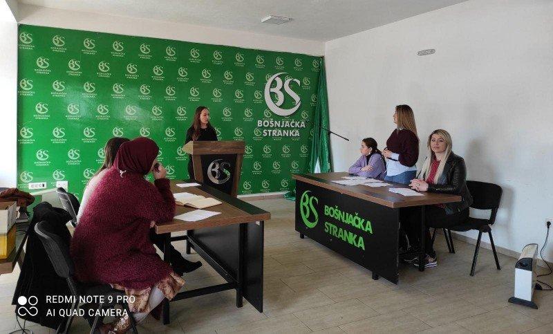 Uprkos pandemiji COVID – 19, škola retorike nastavlja sa radom - PV Informer