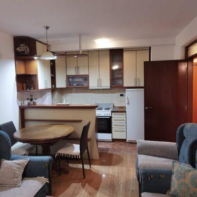 Izdajem jednosoban namješten stan u Podgorici
