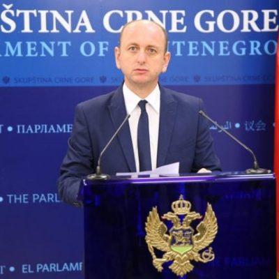 Knežević: Ima dovoljno dokaza da Veljović odmah bude uhapšen, a zašto nije, neka odgovore oni kojima je to posao!