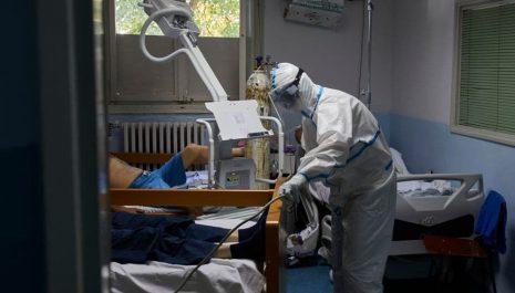U KCCG 17 kovid pacijenata životno ugroženo