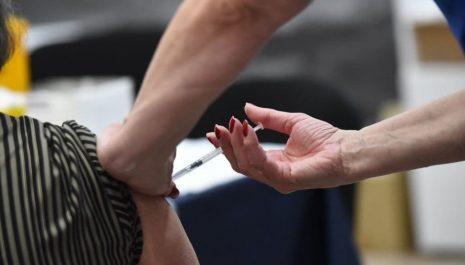 U Crnoj Gori do danas dato 141.808 doza vakcina
