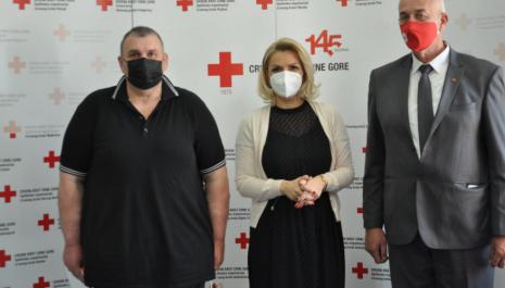 U kategoriji najzaslužnijih dobrovoljnih davalaca krvi, priznanje dobio i Amer Halilbegović iz Pljevalja