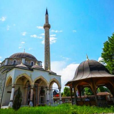 Molitve u džamijama održane uz poštovanje mjera
