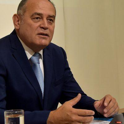 Simović podnio ostavku
