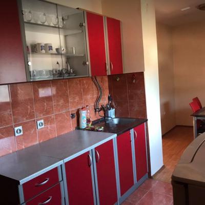 Prodajem ili izdajem namješten dvosoban stan u Gagovića imanju