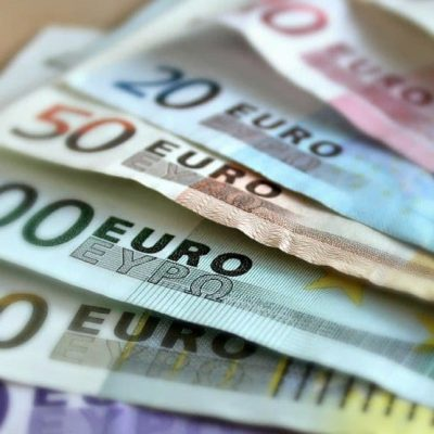 Novim direktorima plate i do 3.500 eura