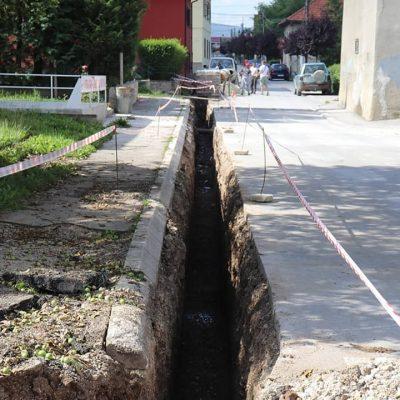 Počela rekonstrukcija vodovodne mreže u Ulici Vuka Karadžića