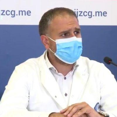Radojević predlaže: U javni prevoz, lokale, tržne centre i ustanove samo vakcinisani, ukinuti rutinsko PCR testiranje