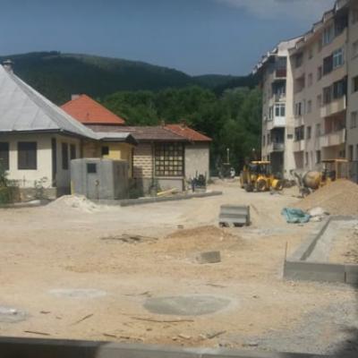 Radovi na parkingu u ulici Mila Peruničića dobro napreduju