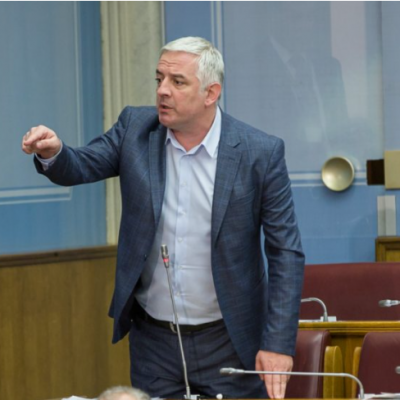 Vučurović: Zbog podrške Katniću i nezakazivanja sjednice Bečić zaslužuje da bude smijenjen