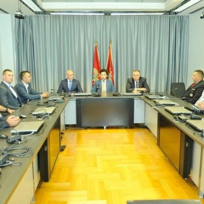Abazović čestitao vatrogascima i Direktoratu: Odajem priznanje za hrabrost i dobru organizaciju