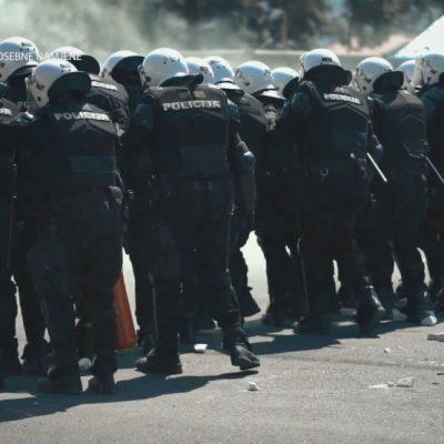Iz Uprave policije tvrde: Na Cetinju povrijeđeno 15 policajaca – građani kamenicama, šipkama, staklenim flašama…