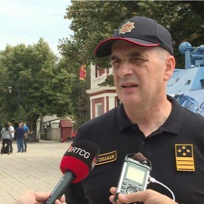 Veljović pozivao policiju da skine uniforme