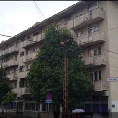 """Радијатори хладни, станари зграде """"Трепча"""" у Пљевљима страхују да ће и ове зиме остати без гријања"""