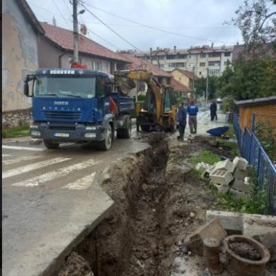 Počeli radovi u ulici Sutjeska na rekonstrukciji vodovodne mreže i atmosferske kanalizacije