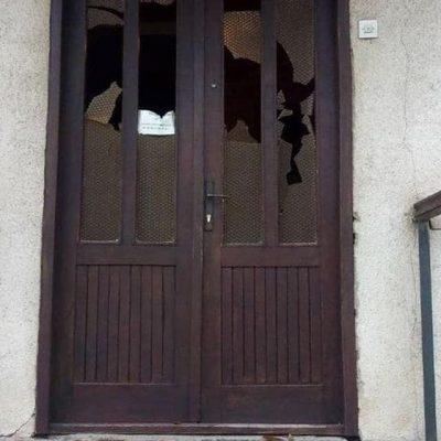 Alternativa tvrdi: DNK počinilaca kamenovanja prostorija Islamske zajednice u Pljevljima, podudara se sa osobama koje su po Pljevljima palile auta nepodobnima od 2015.